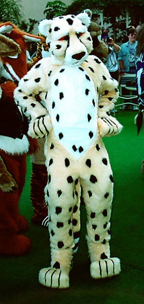 Fursuit_cf9-37-l.jpg