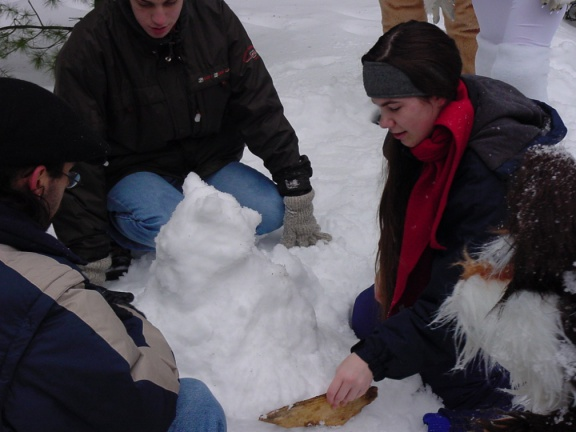 WindGrowler SF2002 11 Nala sculpting a snow racoon